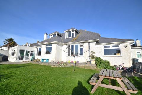 4 bedroom detached house for sale - The Commons, Mullion, Helston