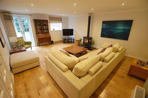 3 bedroom semi-detached house for sale - College Road North, Crosby, Liverpool