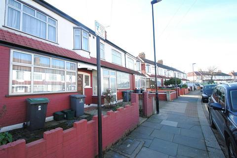 3 bedroom terraced house - Rusper Road, Wood Green, London
