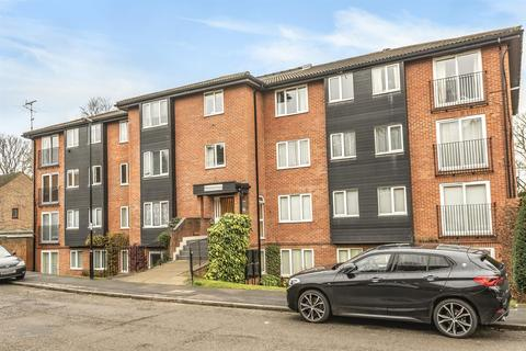 2 bedroom flat for sale - 15 Reedham Drive, Purley