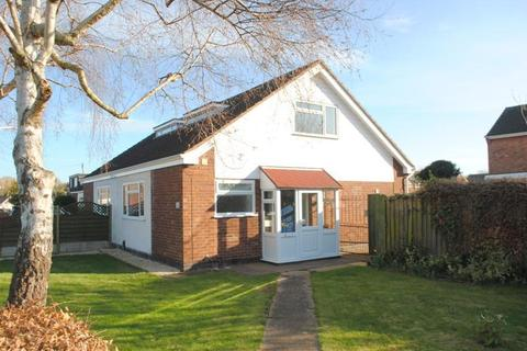 3 bedroom semi-detached house to rent - Ulverscroft Road, Loughborough