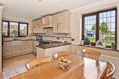 4 bedroom detached house for sale - Riverside Mews East Peckham, Tonbridge