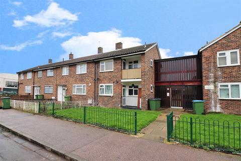 1 bedroom ground floor flat for sale - Panfield Road, London