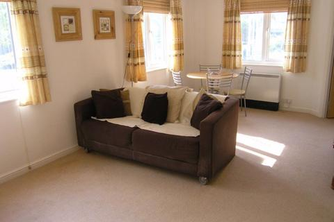 2 bedroom apartment to rent - Sorrento House, Lloyd George Avenue, Cardiff Bay