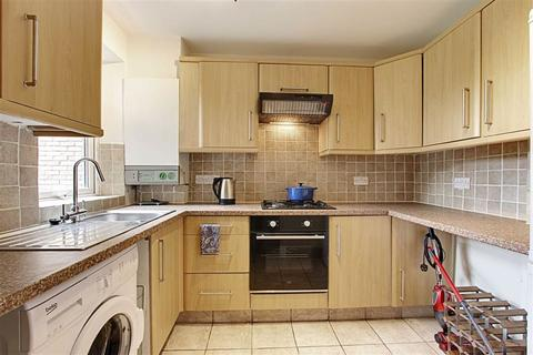 2 bedroom flat to rent - 1A Winsmoore Court, Enfield