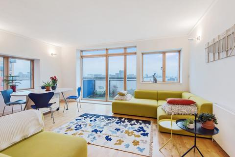 2 bedroom flat for sale - Renaissance Walk London SE10