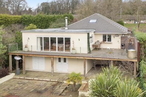 6 bedroom detached house for sale - Leeds Road, Rawdon, Leeds, LS19 6NL