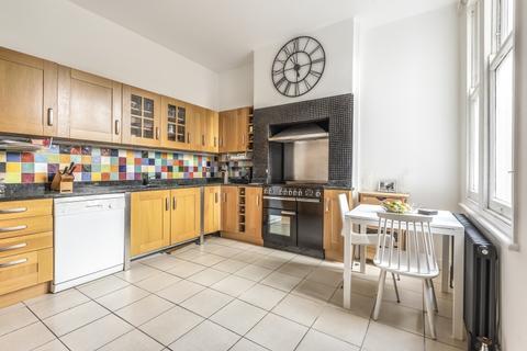 4 bedroom house to rent - Carholme Road London SE23