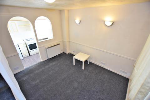 1 bedroom property to rent - Gibson Road, Dagenham, RM8