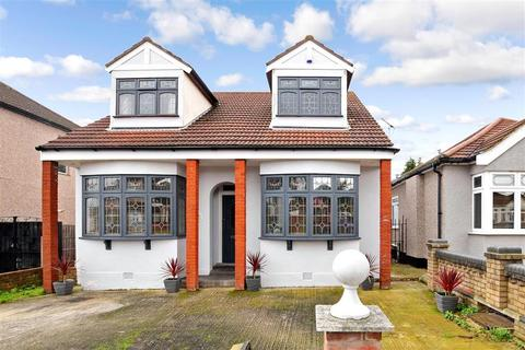 4 bedroom detached house for sale - Stanley Road, Hornchurch, Essex