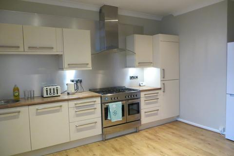 3 bedroom terraced house to rent - NORTH END   BERESFORD ROAD   PART FURNISHED