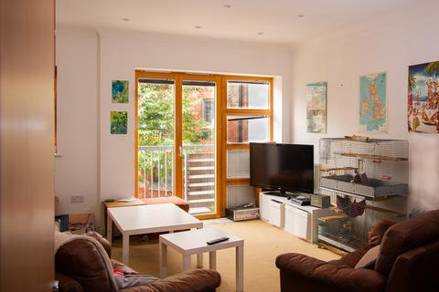 3 bedroom townhouse for sale - Barton Road, St Phillips, Bristol BS2