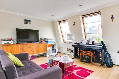 3 bedroom apartment to rent - Fulham Palace Road, London, SW6