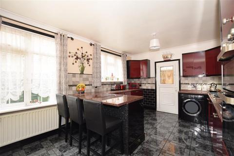 4 bedroom detached bungalow for sale - Loose Road, Maidstone, Kent
