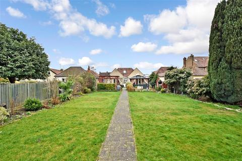 4 bedroom detached bungalow for sale - Loose Road, Maidstone, Kent