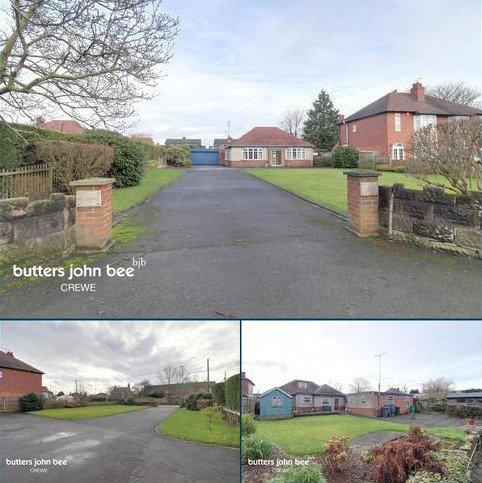 2 bedroom detached bungalow for sale - Newcastle Road, Shavington, Crewe