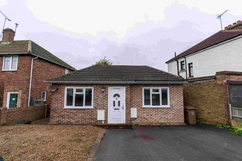 2 bedroom bungalow to rent - Wouldham Road, Rochester, Kent, ME1