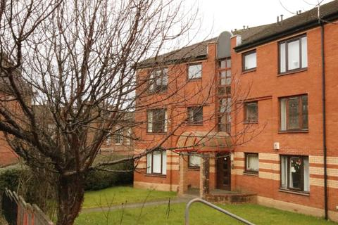 2 bedroom flat to rent - Atlas Road, Springburn, Glasgow, G21 4TA