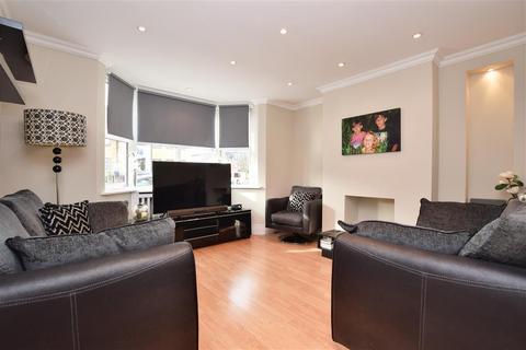 3 bedroom detached house for sale - Kingston Road, Leatherhead, Surrey