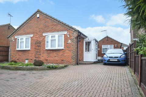 2 bedroom detached bungalow for sale - Stanley Avenue, Minster On Sea, Sheerness
