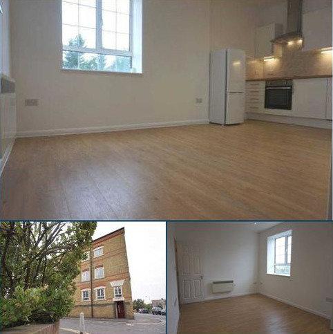 2 bedroom apartment to rent - Church Road, Sittingbourne