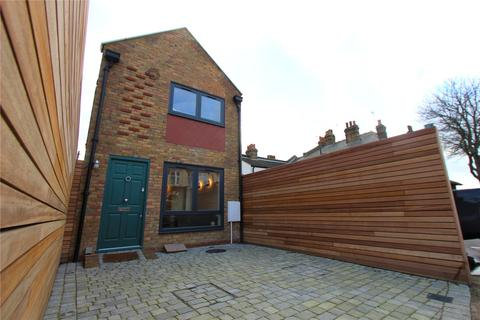 1 bedroom detached house for sale - Pall Mall, Leigh-on-Sea, Essex, SS9