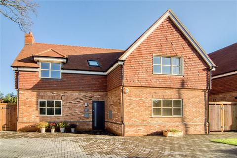 4 bedroom detached house for sale - The Street, West Clandon, GU4