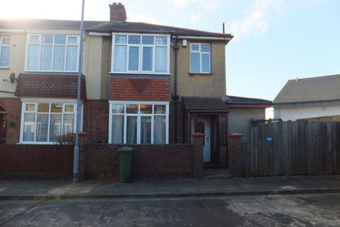 5 bedroom semi-detached house to rent - Chestnut Avenue, Southsea