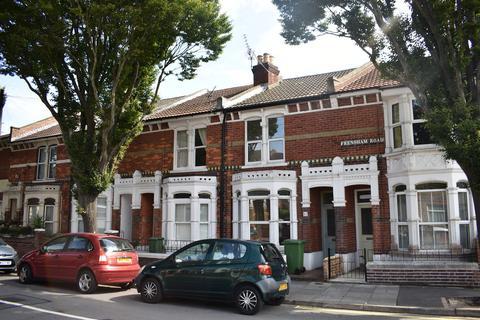 4 bedroom terraced house to rent - Frensham Road, Southsea