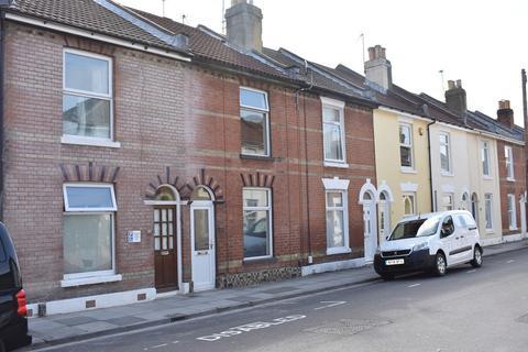4 bedroom terraced house - Lawson Road, Southsea
