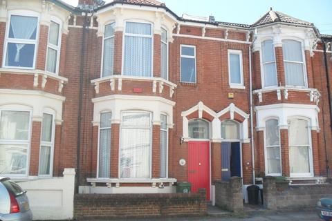 7 bedroom terraced house to rent - Beach Road, Southsea