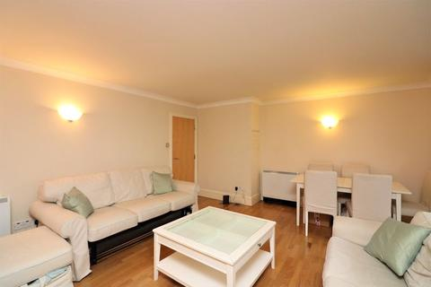 1 bedroom property to rent - Lawn House Close, London