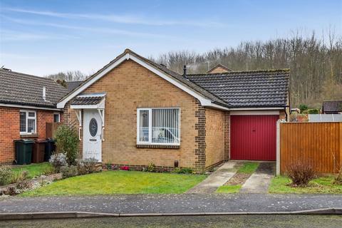 2 bedroom detached bungalow for sale - Harvest Way, Ashford