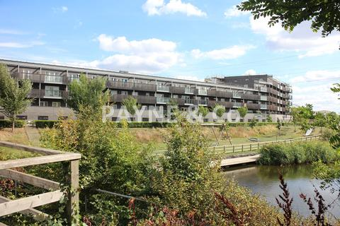 2 bedroom penthouse for sale - De Pass Gardens, BARKING, IG11