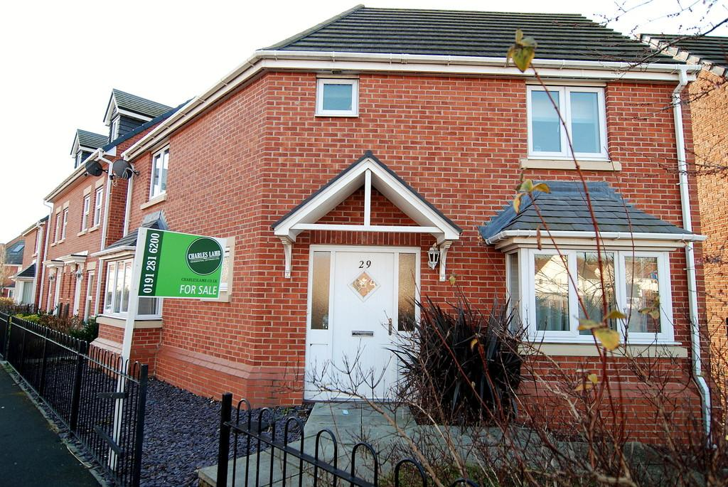 3 Bedrooms Detached House for sale in Flanders Court, Birtley