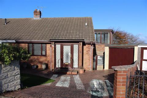 3 bedroom semi-detached bungalow - Ravens Walk, West Cross