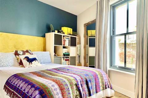 3 bedroom terraced house for sale - St Marys Terrace, Hastings