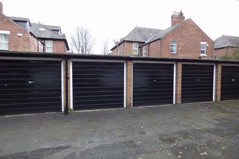 Garage to rent - Craigmont Court, Benton