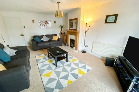 2 bedroom semi-detached bungalow for sale - Farmway, Leicester