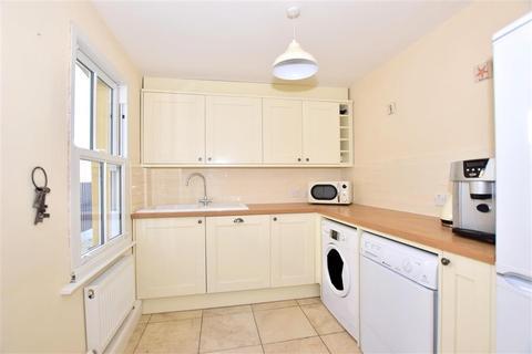 2 bedroom terraced house for sale - Castle Street, Queenborough, Kent