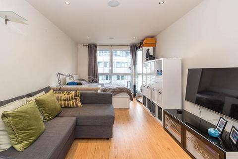 Studio to rent - Townmead Road, Fulham, SW6