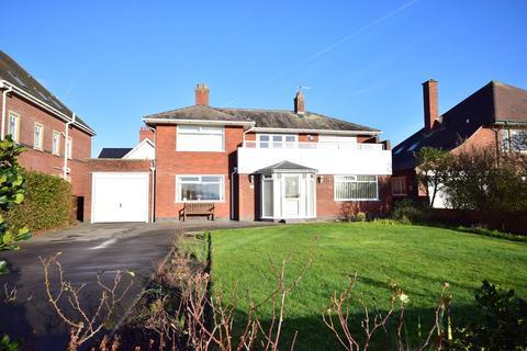 4 bedroom detached house for sale - Inner Promenade, Fairhaven, FY8