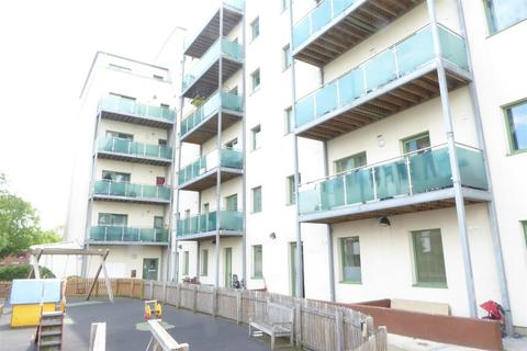 3 bedroom flat for sale - Staines Road, Hounslow