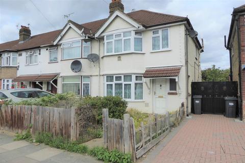 3 bedroom end of terrace house for sale - Byron Avenue, Hounslow