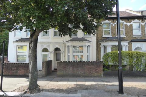 2 bedroom flat for sale - Staines Road, Hounslow