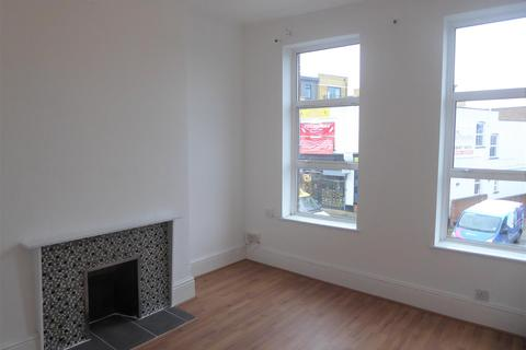 2 bedroom flat to rent - London Road, Isleworth