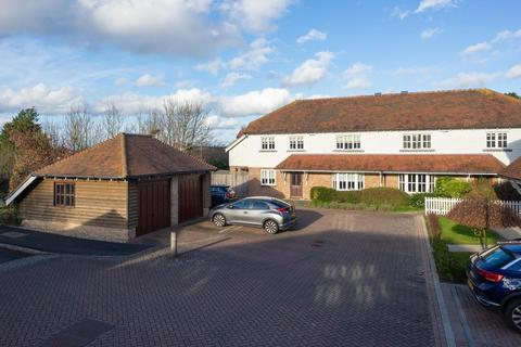 5 bedroom semi-detached house for sale - Myrtle Court, Kingsnorth, Ashford, TN23