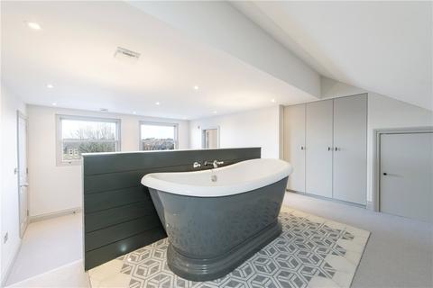 3 bedroom maisonette to rent - Drakefield Road, London, SW17