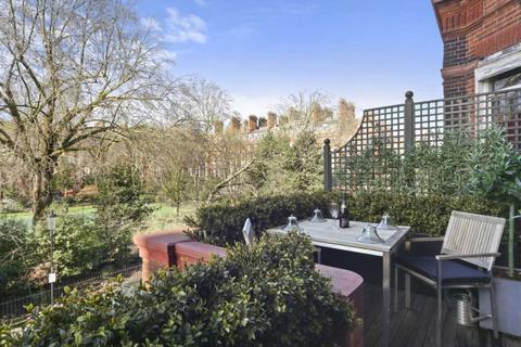 1 bedroom flat to rent - Cadogan Square, London