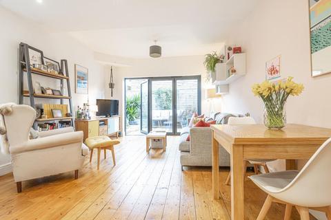 2 bedroom maisonette for sale - Lyham Road, Brixton